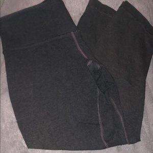 Dark gray cropped lululemon wunder unders!